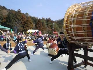 大迫力の太鼓祭り