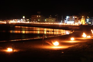 熱海市の百八体流灯祭