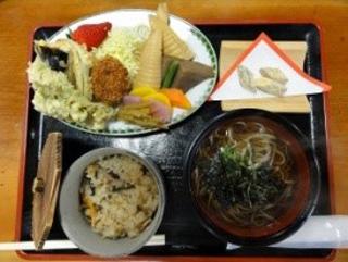 食事処「たけのこ」 山の幸満載の定食