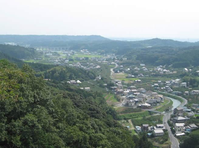 田・柿園・森が調和する磐田市敷地村