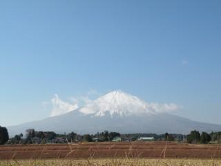 西澤水系、雪化粧の富士山