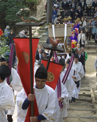 春の訪れを知らせる高天神社例大祭