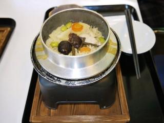 山菜たっぷりの釜飯
