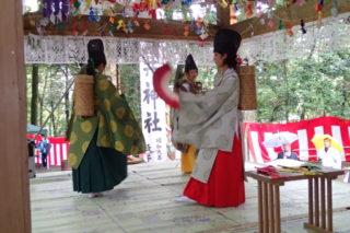 大井神社の神楽舞