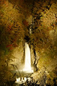 赤水の滝ライトアップ