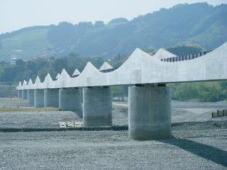 神座水管橋